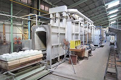 粉体の焼成加工する トンネルキルン